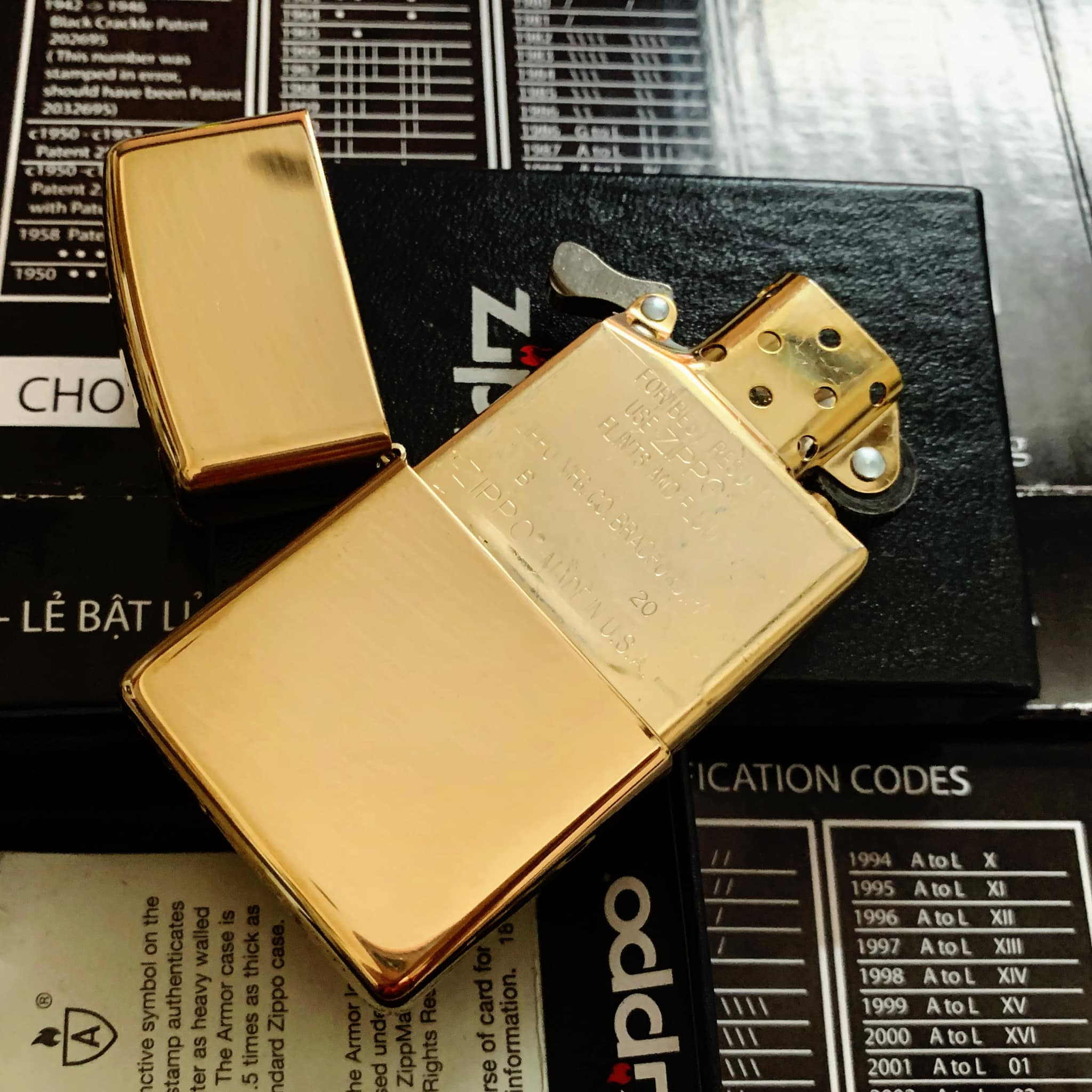 Zippo 169 - Zippo Armor High Polished Brass 10