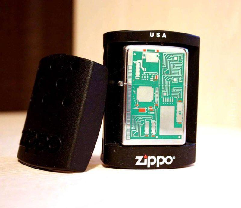 Zippo 24329 - Zippo Circuit Board Polished Chrome 1