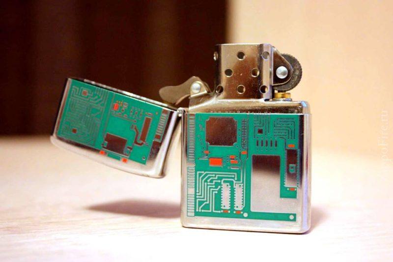Zippo 24329 - Zippo Circuit Board Polished Chrome 2