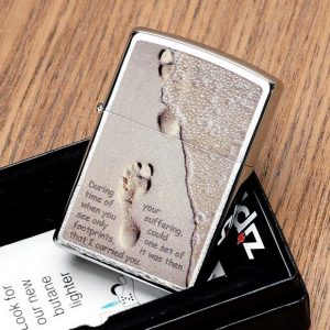 Zippo 28180 - Zippo Footprints in the Sand Brushed Chrome 3