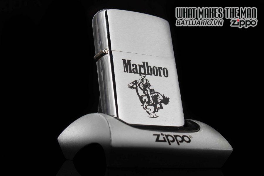 ZIPPO 1986 – MARLBORO MAN ON HOUSE