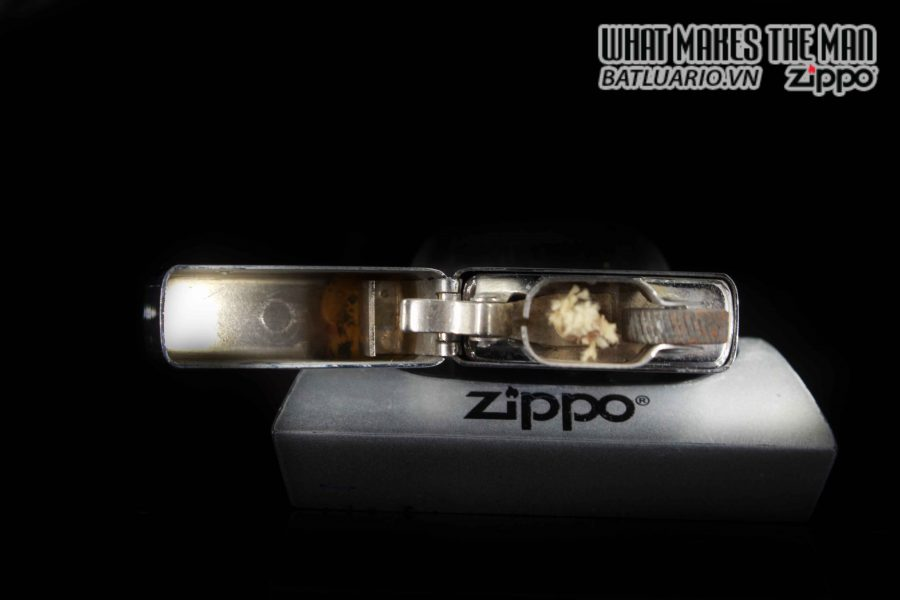 ZIPPO SLIM XƯA 1982 – PRESENTED BY JAMES D. WATKINS – USN CHIEF OF NAVAL OPERATIONS 4