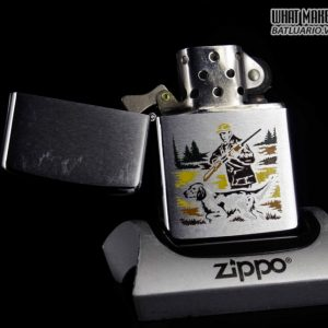 ZIPPO XƯA 1979 – HUNTER WITH DOG GUN – SPORT SERIES 7