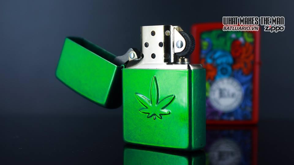 Zippo 29662 - Zippo Stamped Weed Leaf Meadow 11