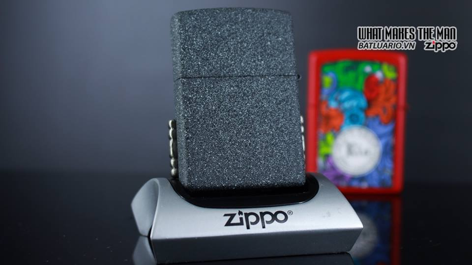 Zippo 29663 - Zippo Vintage Red Flame Wrap Iron Stone 11