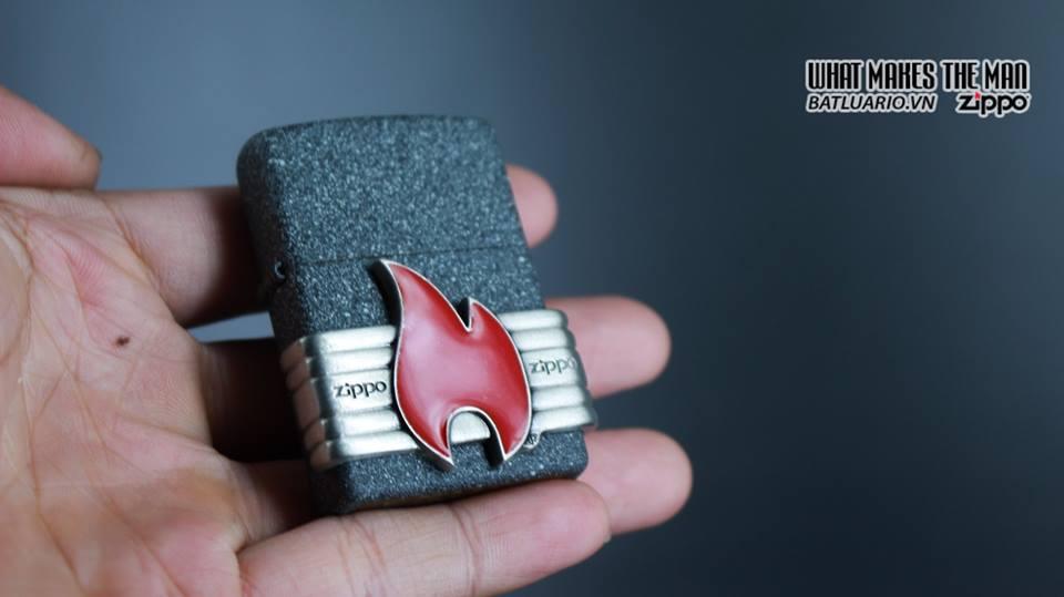 Zippo 29663 - Zippo Vintage Red Flame Wrap Iron Stone 12