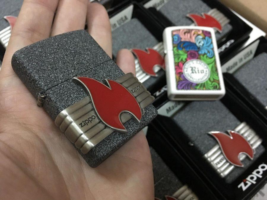 Zippo 29663 - Zippo Vintage Red Flame Wrap ron Stone 2