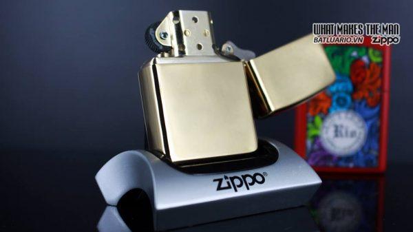 Zippo 29668 - Zippo Mazzi Samurai Girl High Polish Brass 10