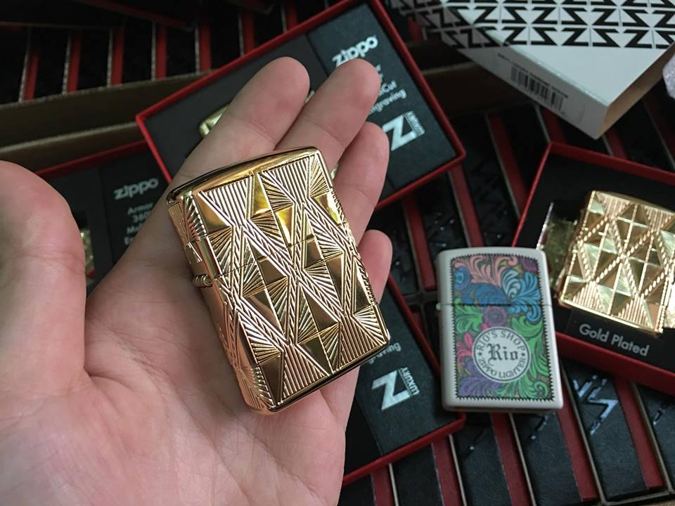 Zippo 29671 - Zippo Luxury Diamond Design High Polish Gold Plate 2