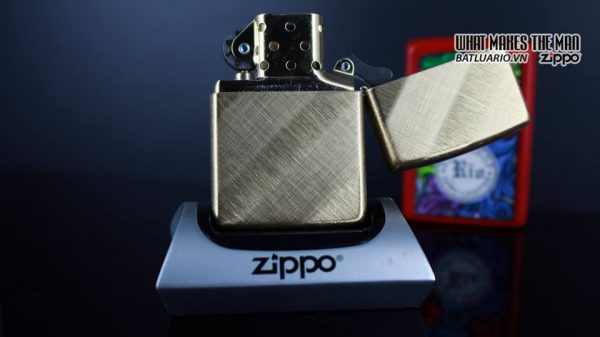 Zippo 29675 - Zippo Diagonal Weave Brass 13