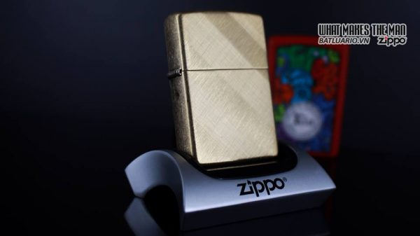 Zippo 29675 - Zippo Diagonal Weave Brass 9