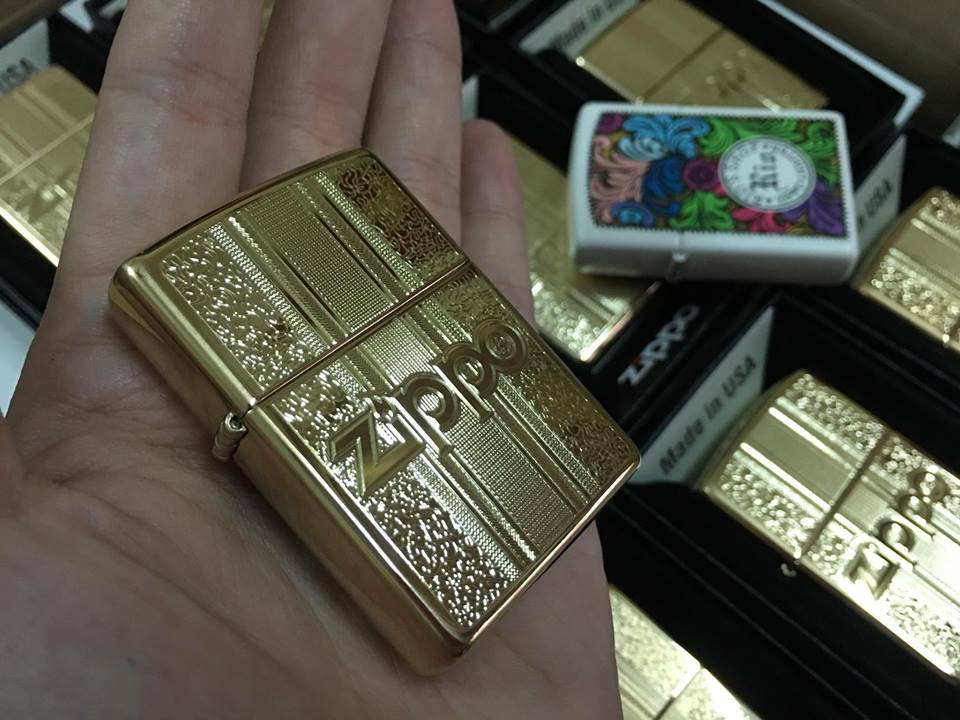 Zippo 29677 - Zippo Engraved Pattern High Polish Brass 5