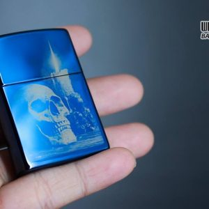 Zippo 29704 - Zippo Skull and Candle High Polish Blue 12