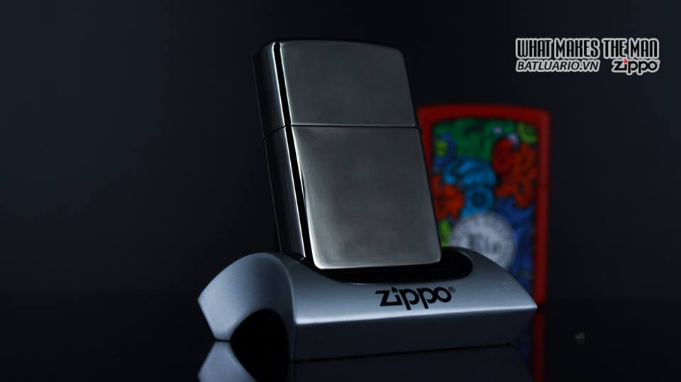 Zippo 29733 - Zippo Engraved Spider and Web Black Ice 8