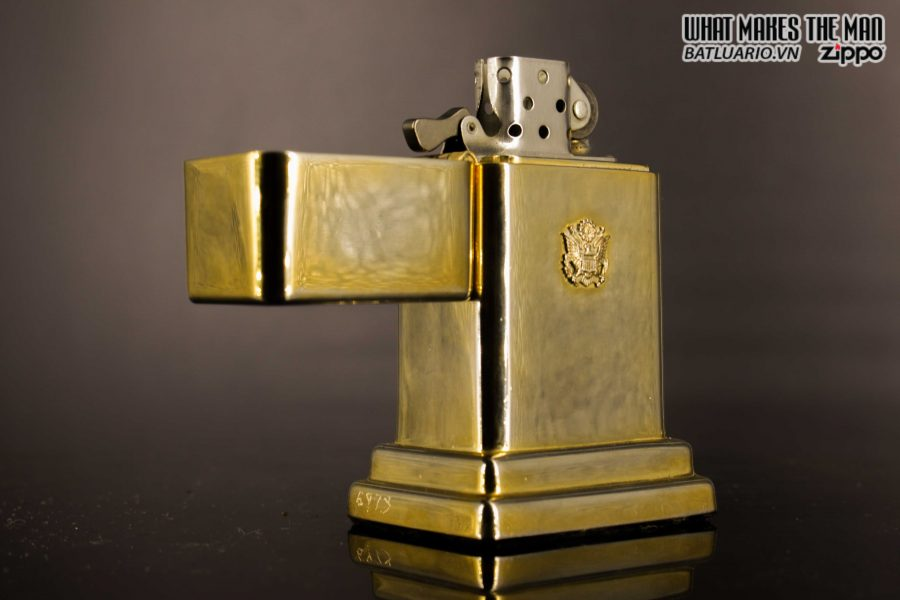 ZIPPO TABLE #4 - 1954 - 1979 - US ARMY - GOLD PLATE 18