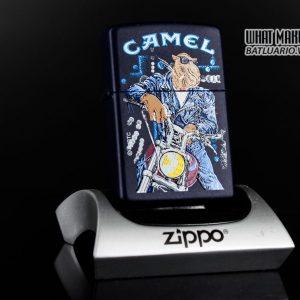 ZIPPO LA MÃ 1997 – CAMEL MATTE
