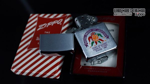 ZIPPO XƯA 1960 – 1961 – ROYAL ORDER OF JESTERS 11