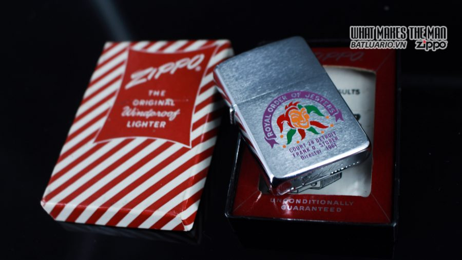 ZIPPO XƯA 1960 – 1961 – ROYAL ORDER OF JESTERS 12