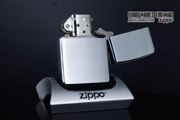 ZIPPO 2005 – ZIPPO FANTASY ORK 7