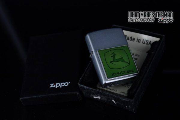 ZIPPO 2006 - ZIPPO JOHN DEERE EMBLEM 10