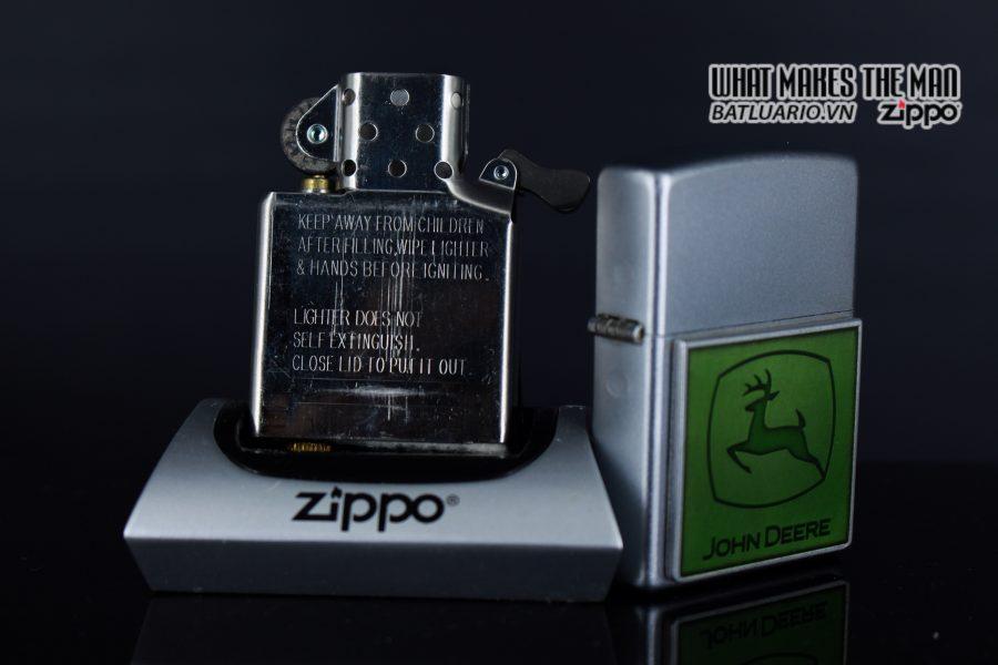 ZIPPO 2006 - ZIPPO JOHN DEERE EMBLEM 2