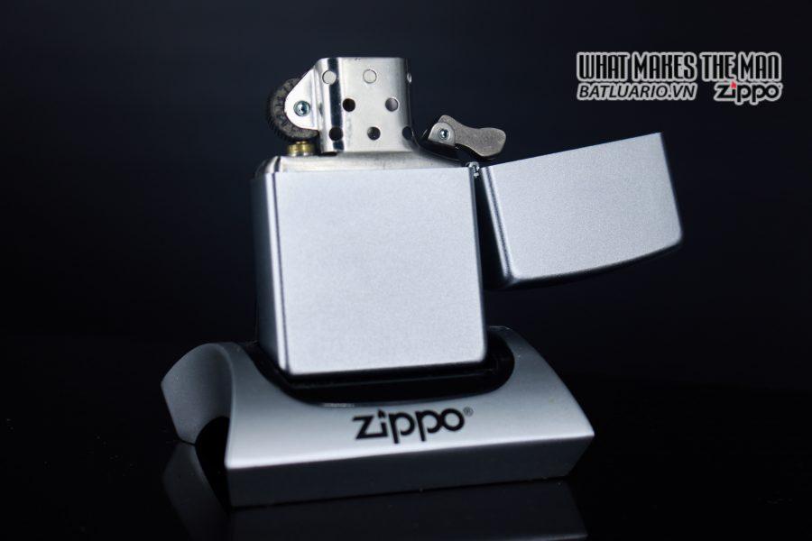 ZIPPO 2006 - ZIPPO JOHN DEERE EMBLEM 4