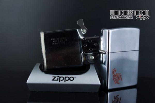 ZIPPO LA MÃ 1992 – MARLBORO RED SCORPIO 2