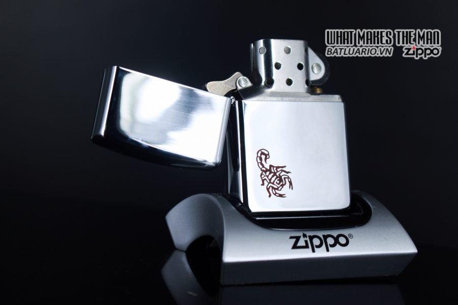 ZIPPO LA MÃ 1992 – MARLBORO RED SCORPIO 7