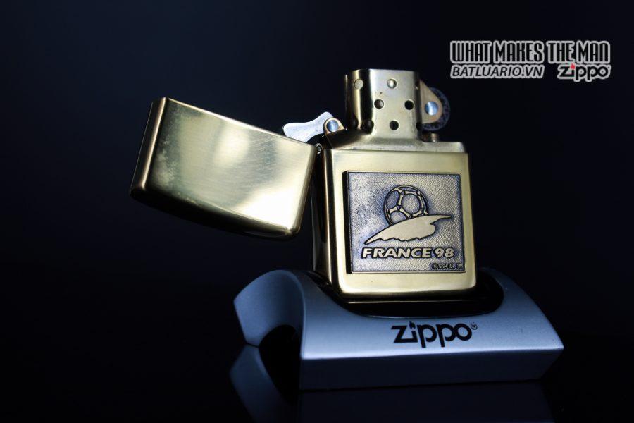 ZIPPO LA MÃ 1997 – FRANCE 98 – EMBLEM 10