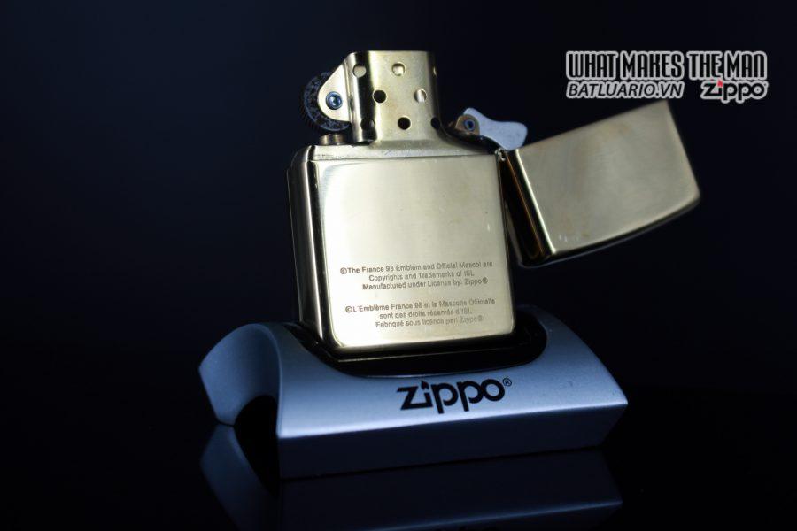 ZIPPO LA MÃ 1997 – FRANCE 98 – EMBLEM 8