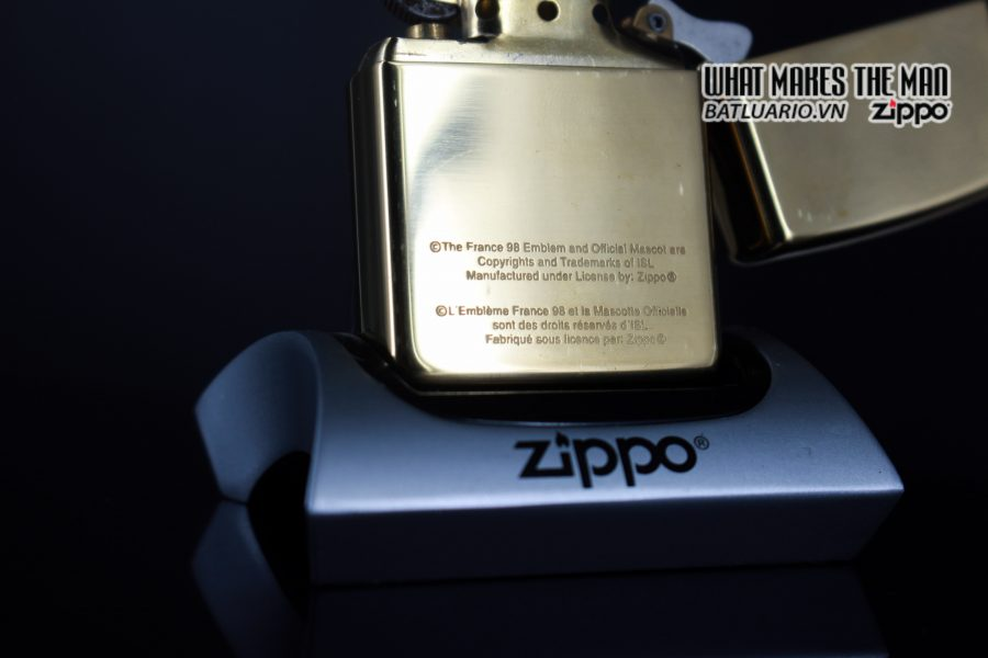 ZIPPO LA MÃ 1997 – FRANCE 98 – EMBLEM 9