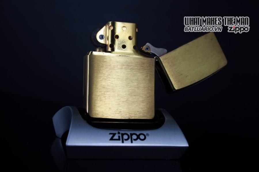 ZIPPO LA MÃ 1997 – HMS INVINCIBLE 9