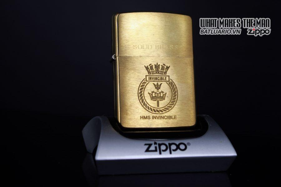 ZIPPO LA MÃ 1997 – HMS INVINCIBLE