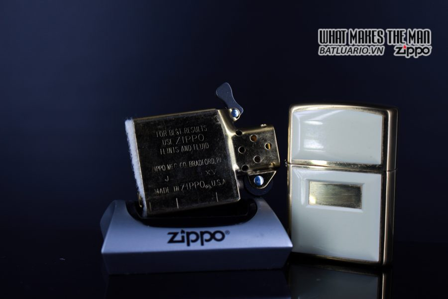ZIPPO LA MÃ 1999 – ZIPPO ULTRALITE WHITE 3