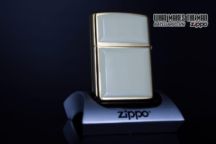 ZIPPO LA MÃ 1999 – ZIPPO ULTRALITE WHITE 9