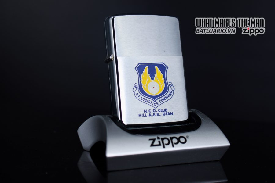 ZIPPO XƯA 1972 – N.C.O. CLUB HILL AIR FORCE BASE UTAH