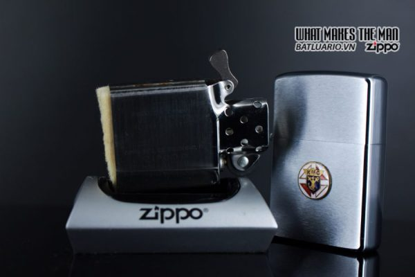 ZIPPO XƯA 1973 – K OF C – KNIGHTS OF COLUMBUS 2