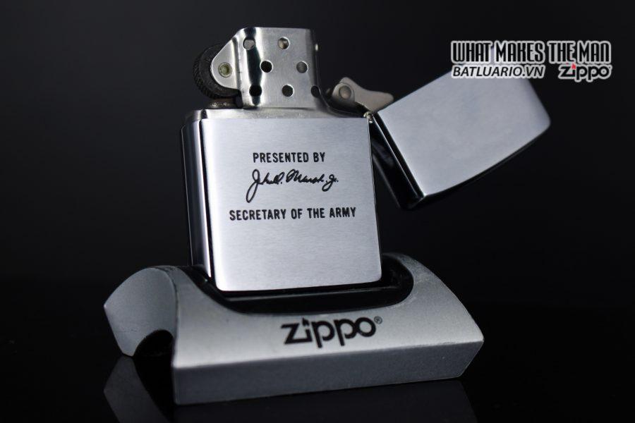 ZIPPO 1983 – SECRETARY OF THE ARMY PRESENTED BY John Otho Marsh Jr 5