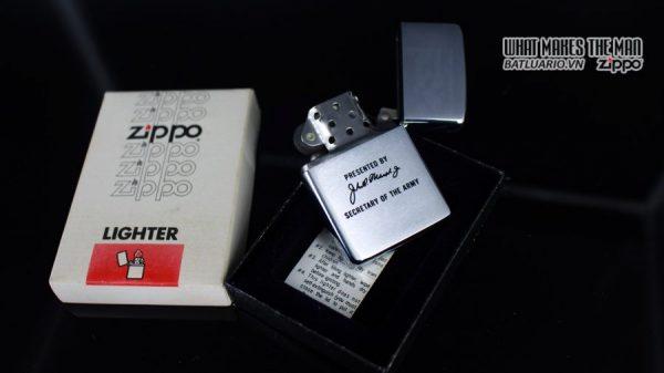 ZIPPO 1983 – SECRETARY OF THE ARMY PRESENTED BY John Otho Marsh Jr 7