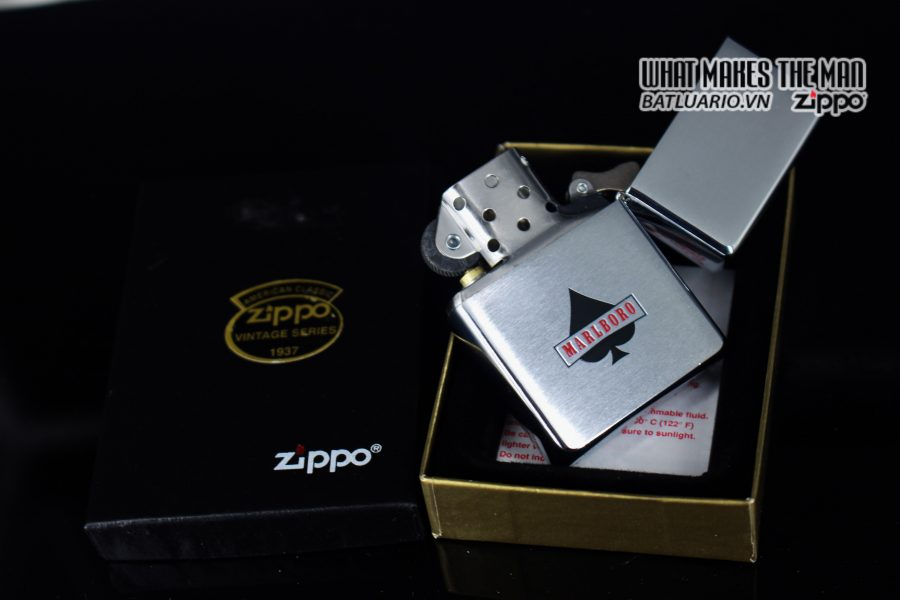 ZIPPO 2001 – ZIPPO MARLBORO ACES/KINGS BLUE WORLD CHAMPIONSHIP POKER 11