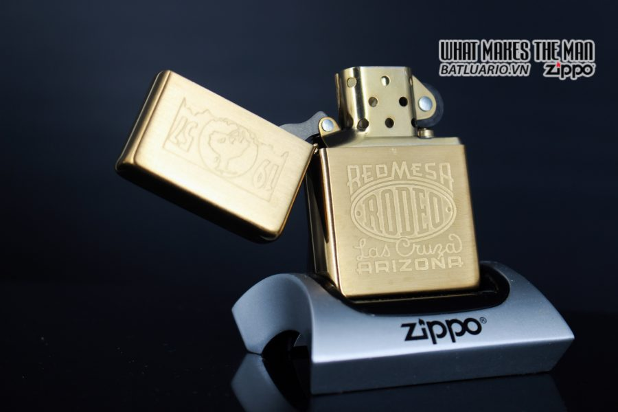 ZIPPO 2001 – ZIPPO RED MESA RODEO MARLBORO LAS CRUZA ARIZONA 9