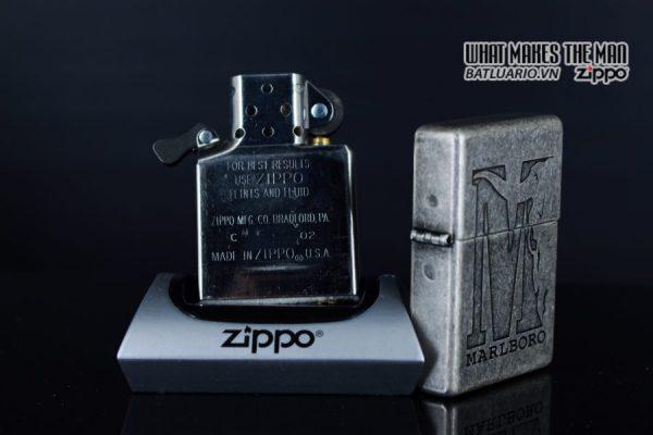 ZIPPO 2002 – MARLBORO BIG M – ANTIQUE SILVER 3