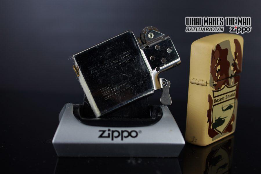 ZIPPO LA MÃ 1990 – CAMO – DESERT SHIELD 2