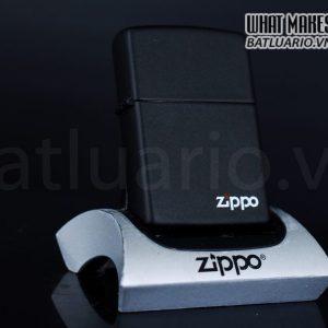 ZIPPO LA MÃ 1991 – BLACK MATTE