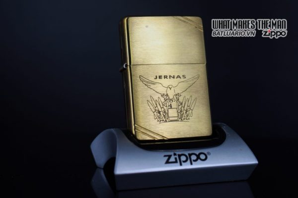 ZIPPO LA MÃ 1998 – VINTAGE REPLICA 1937 – JERNAS