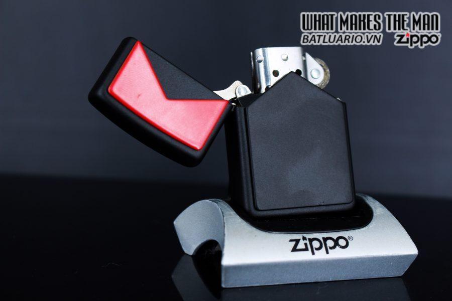 ZIPPO LA MÃ 1995 – MARLBORO BLACK & RED 3