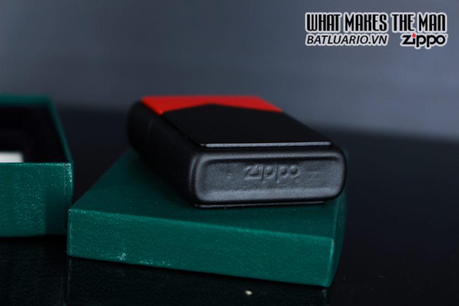 ZIPPO LA MÃ 1995 – MARLBORO BLACK & RED 6