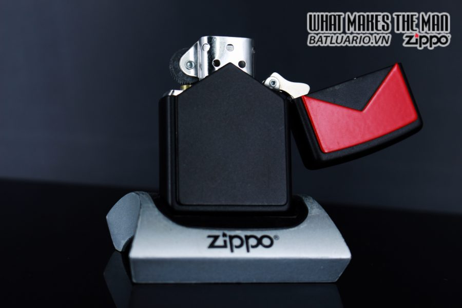 ZIPPO LA MÃ 1997 – MARLBORO BLACK & RED 6
