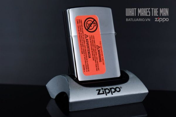 ZIPPO 200 CLOVER AND GOLD 4