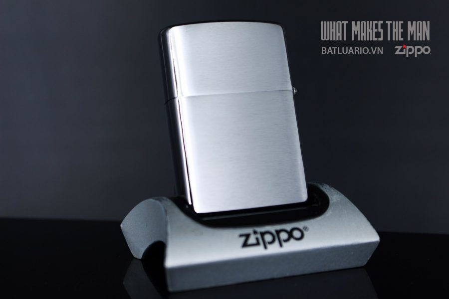 ZIPPO 200 LARGE EAGLE DESIGN 2